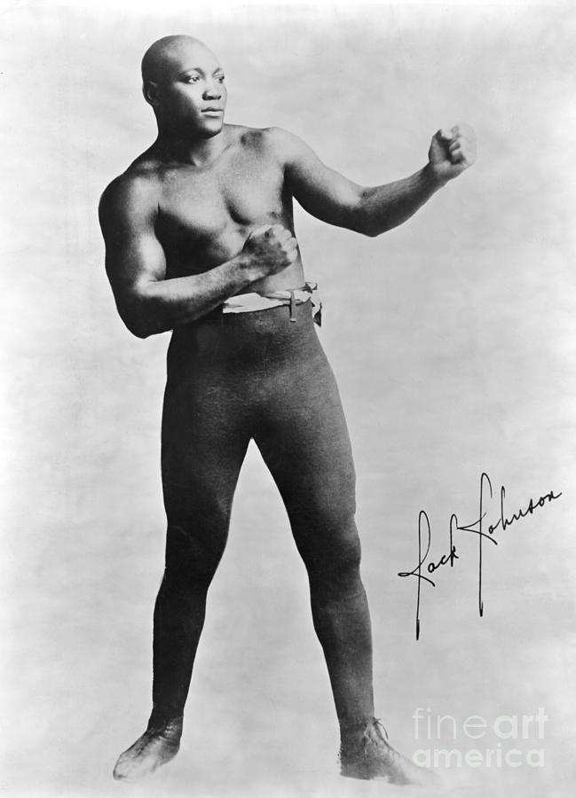 boxer-jack-johnson-in-fighting-pose-bettmann.jpg