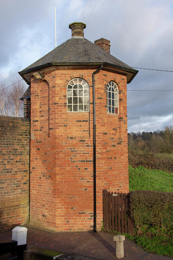 Canal Photograph - Bratch Locks Toll House by Steev Stamford