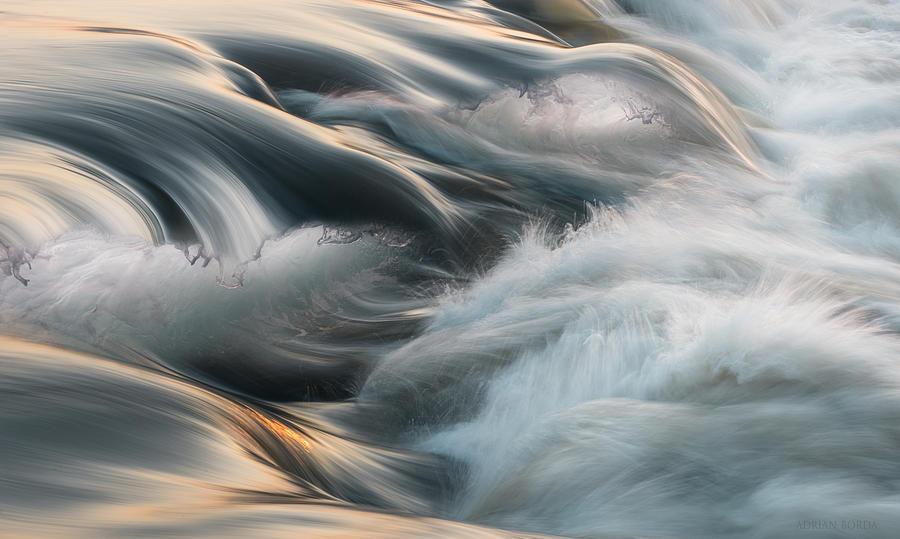 Breaking the waves III by Adrian Borda