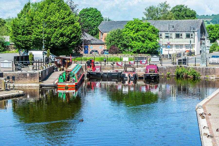 Brecon Canal Basin 3 by Steve Purnell