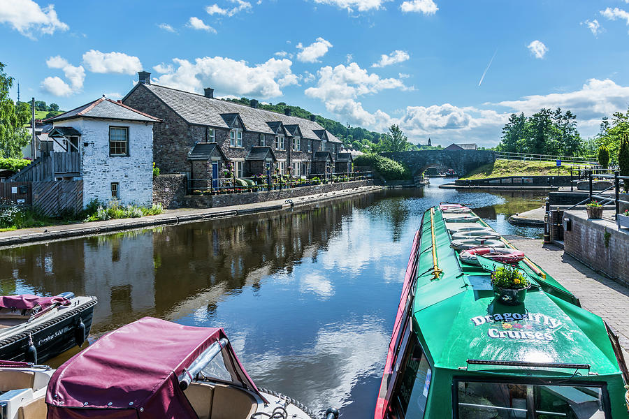 Brecon Canal Basin 5 by Steve Purnell