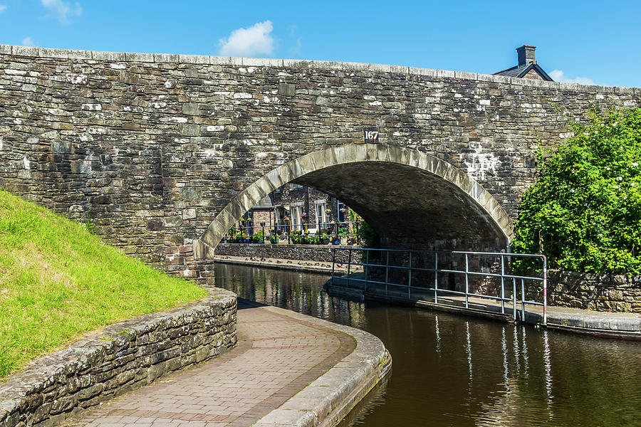Bridge 167 Brecon Canal Basin by Steve Purnell