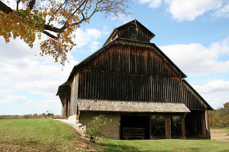 Bridgeton Barn by Dylan Punke
