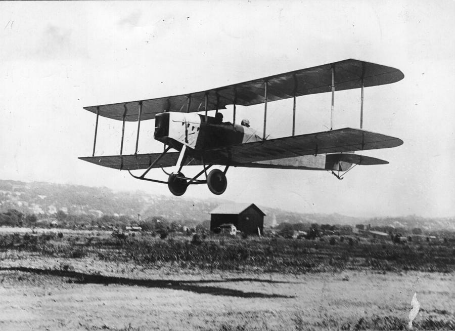 British Bi-plane Photograph by Hulton Archive