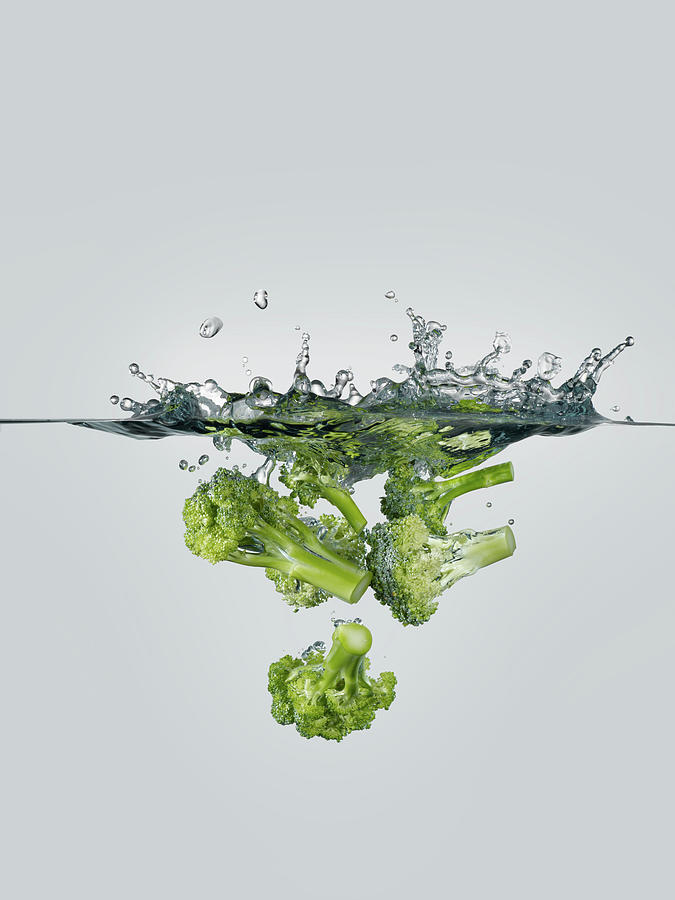 Broccoli Splash Photograph by Gerenme