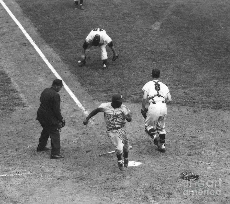 Brooklyn Dodgers V New York Giants Photograph by Kidwiler Collection