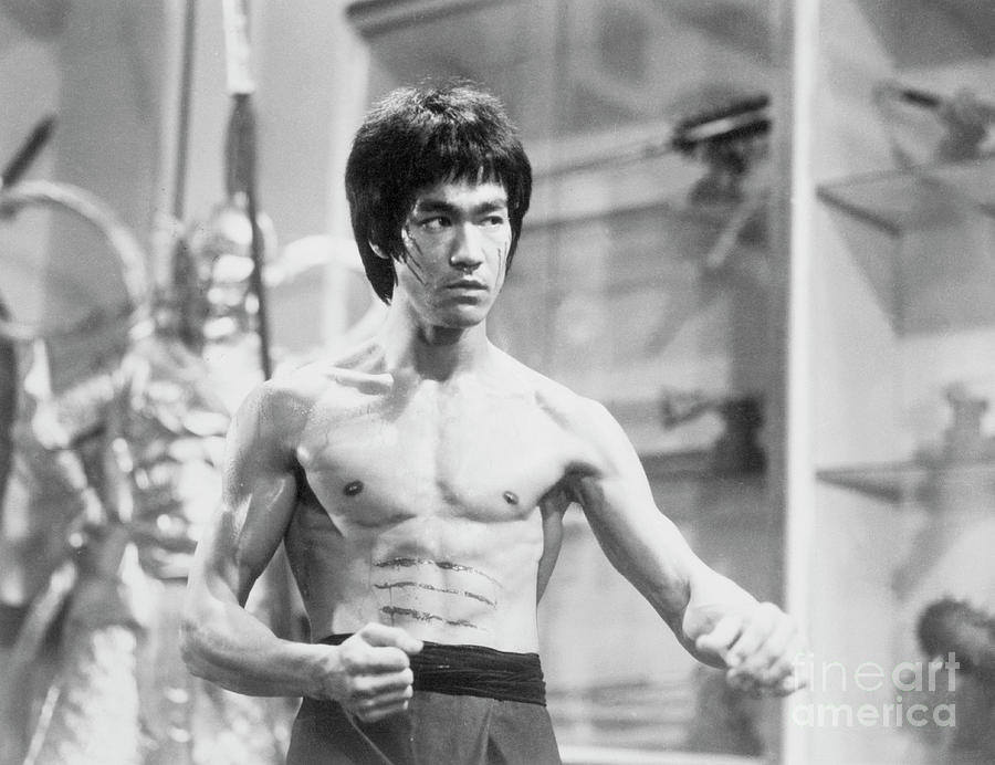 Bruce Lee In Enter The Dragon Photograph by Bettmann