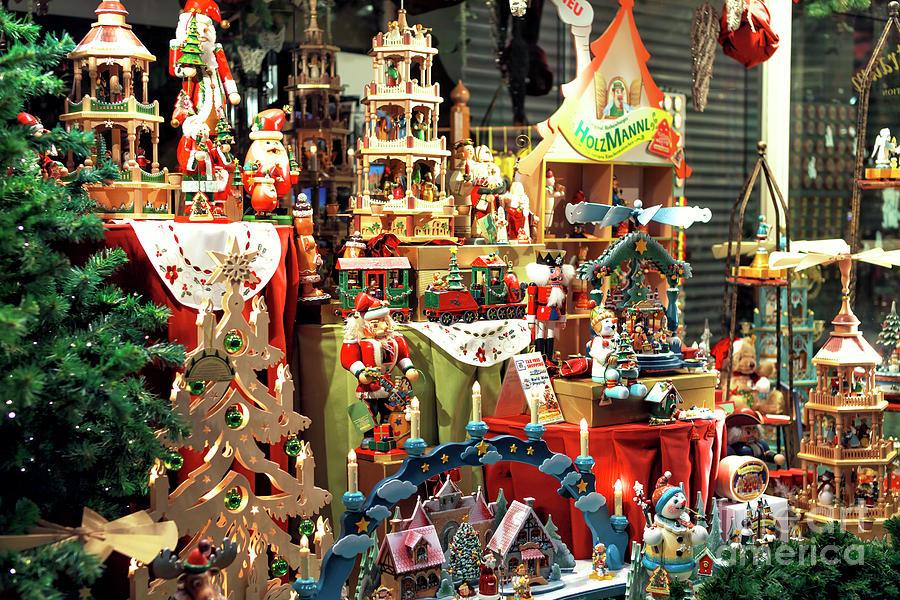 Bruges Christmas.Bruges Christmas Window
