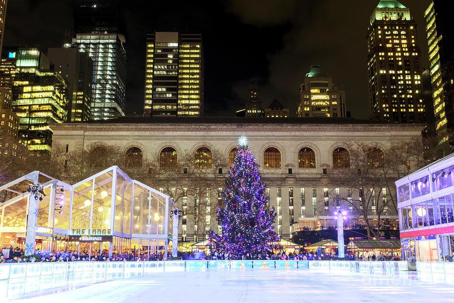 Bryant Park Christmas.Bryant Park Christmas Skating Rink