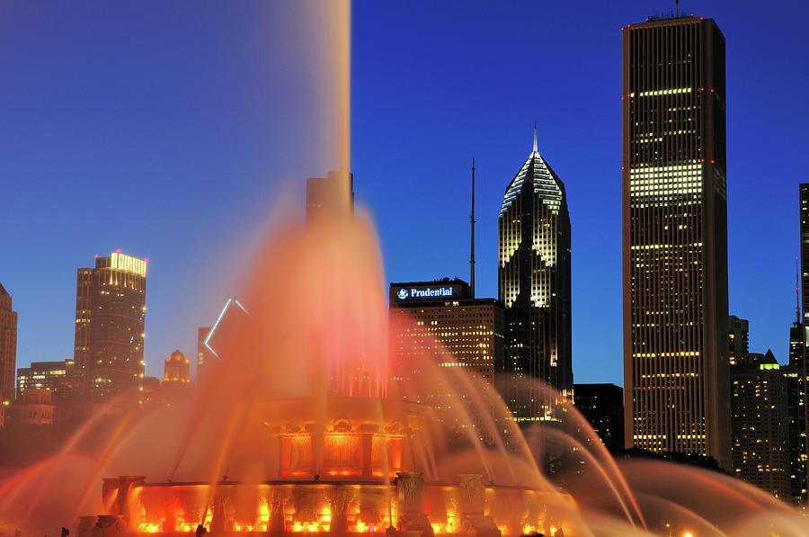 Buckingham Fountain, Chicago Photograph by Bruce Leighty