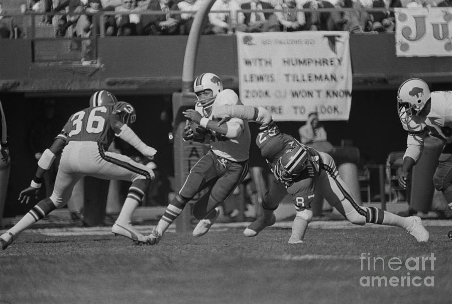 Buffalo Bills Football Player O.j Photograph by Bettmann
