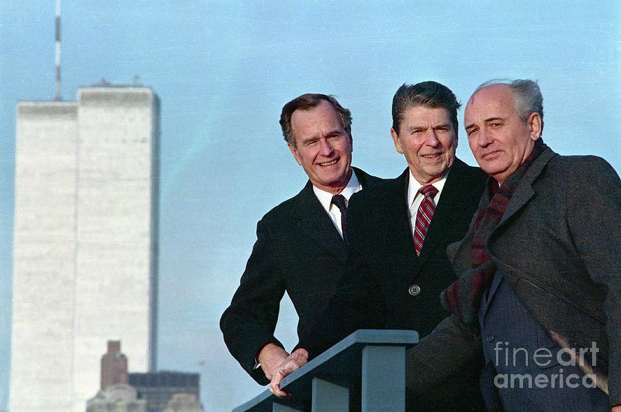Bush, Reagan, And Gorbachev On Rooftop Photograph by Bettmann