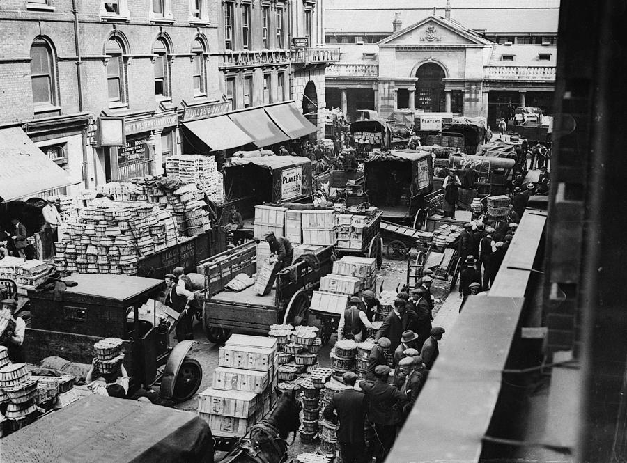Busy Covent Market, London Photograph by Fpg