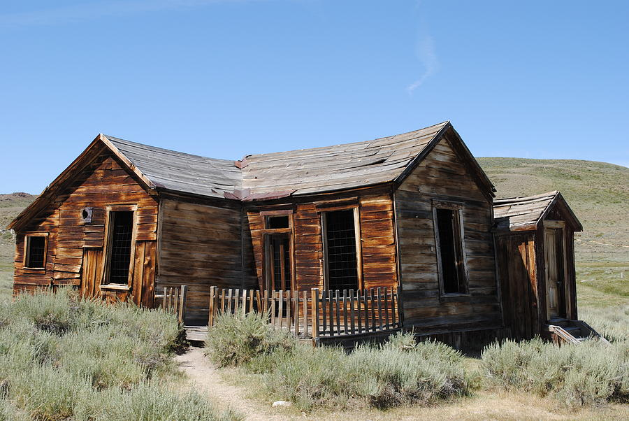 Cabin out west by Steven Wills