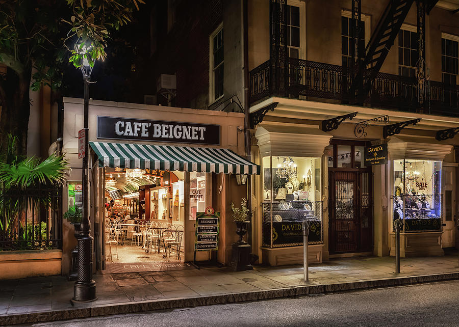 French Quarter Photograph - Cafe Beignet by Susan Rissi Tregoning