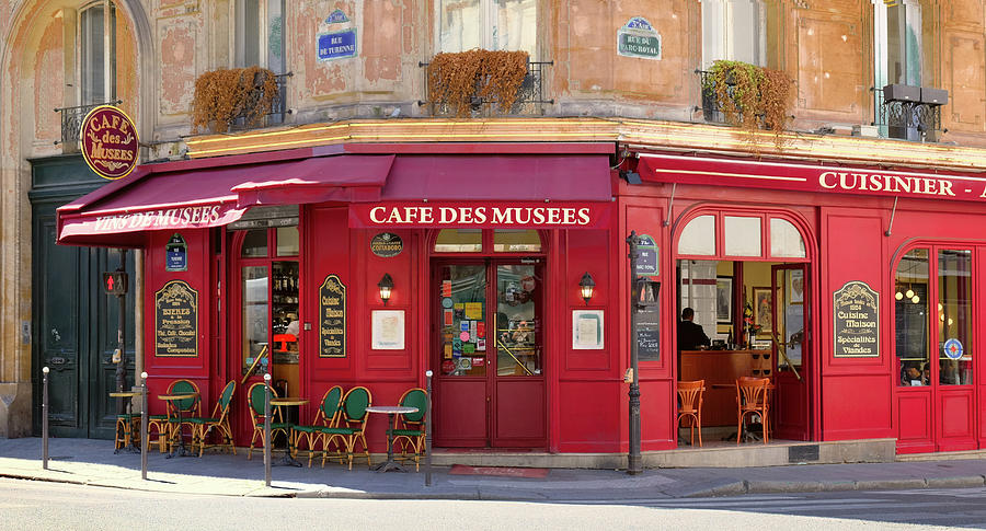 Cafe de Musees by Matthew Pace