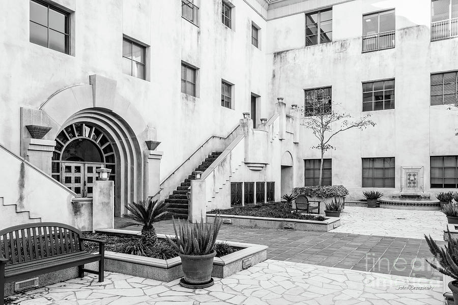 Cal Tech Photograph - California Institute Of Technology Courtyard by University Icons