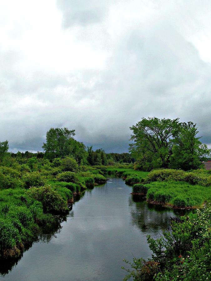 Calming Country Scenery by Cyryn Fyrcyd