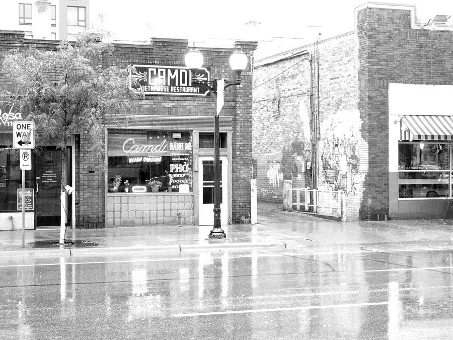 Camdi Restaurant Photograph