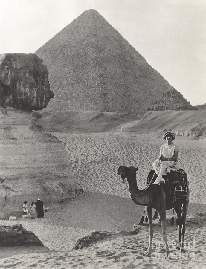 1920s Photograph - Camel Ride At The Sphinx And Pyramids by Everett Collection