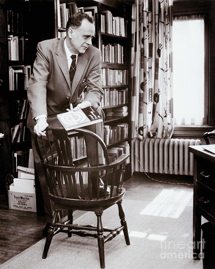 Canadian Philosopher Marshall Mcluhan Photograph by Bettmann