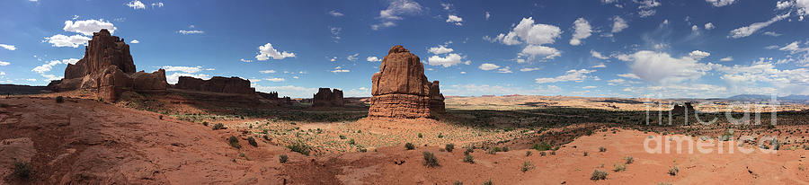 Canyon Lands and Arches by Leslie M Browning