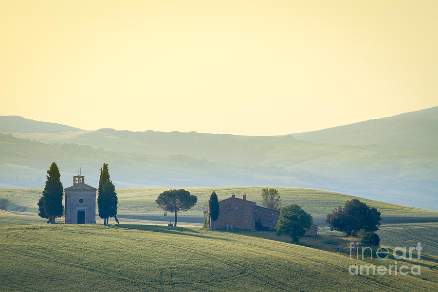Val D'orcia Photograph - Cappella Di Vitaleta, Val Dorcia by Frank Fischbach