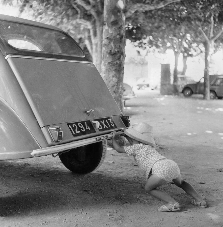 Car Break-down 1964 Photograph by Keystone-france