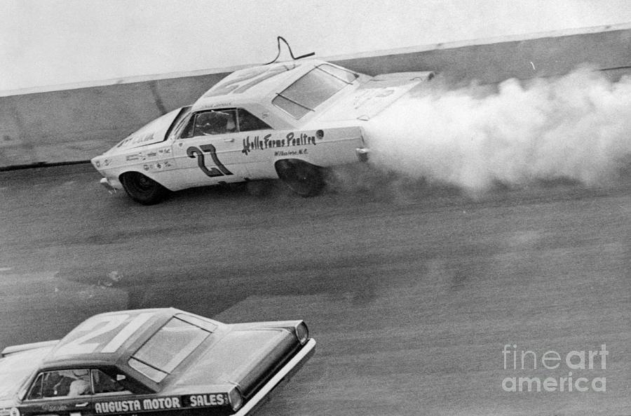 Car Crash During Daytona 500 Photograph by Bettmann