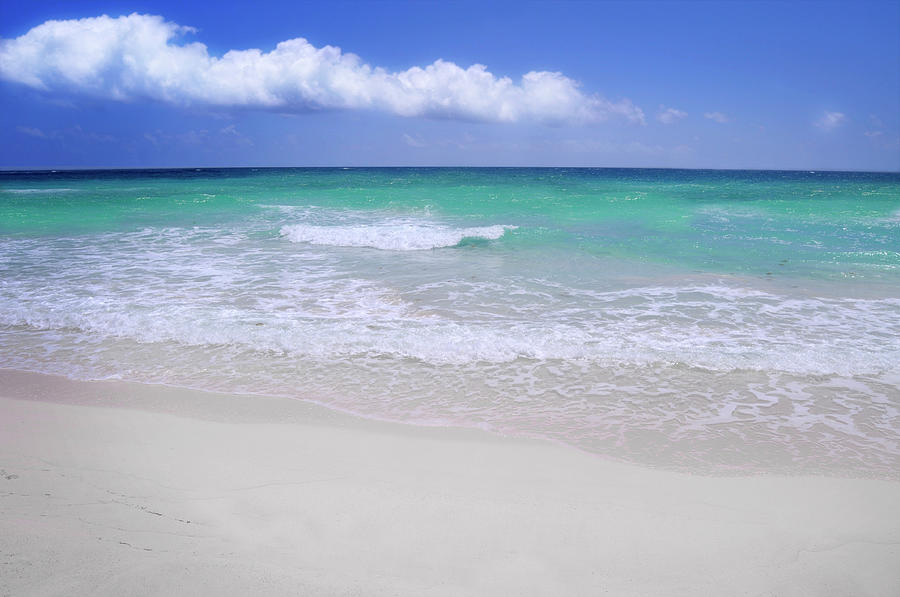 Caribbean Sea Shore Photograph by Mableen