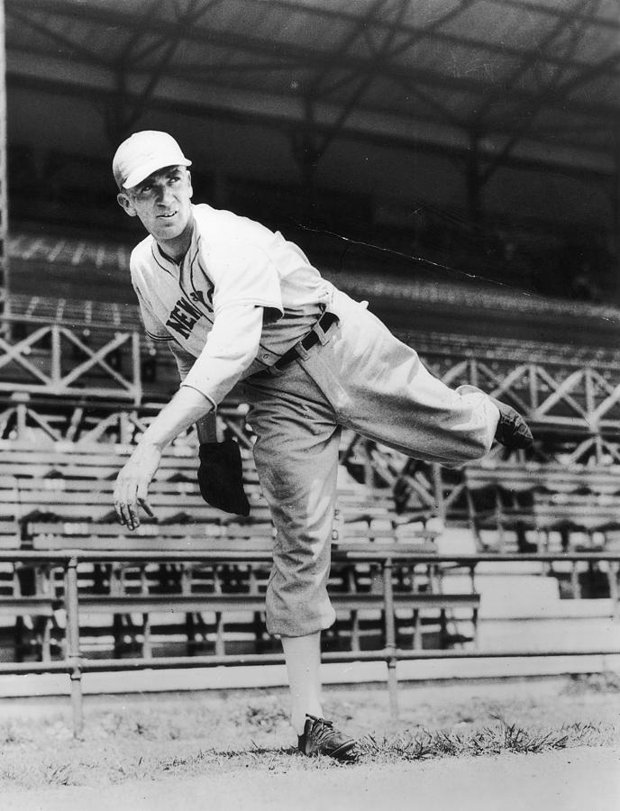 Carl Hubbell Photograph by Hulton Archive