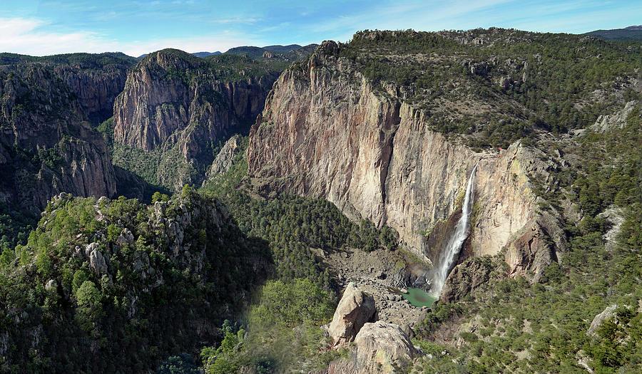 Cascades de Basaseachi Panorama by Jeff Brunton