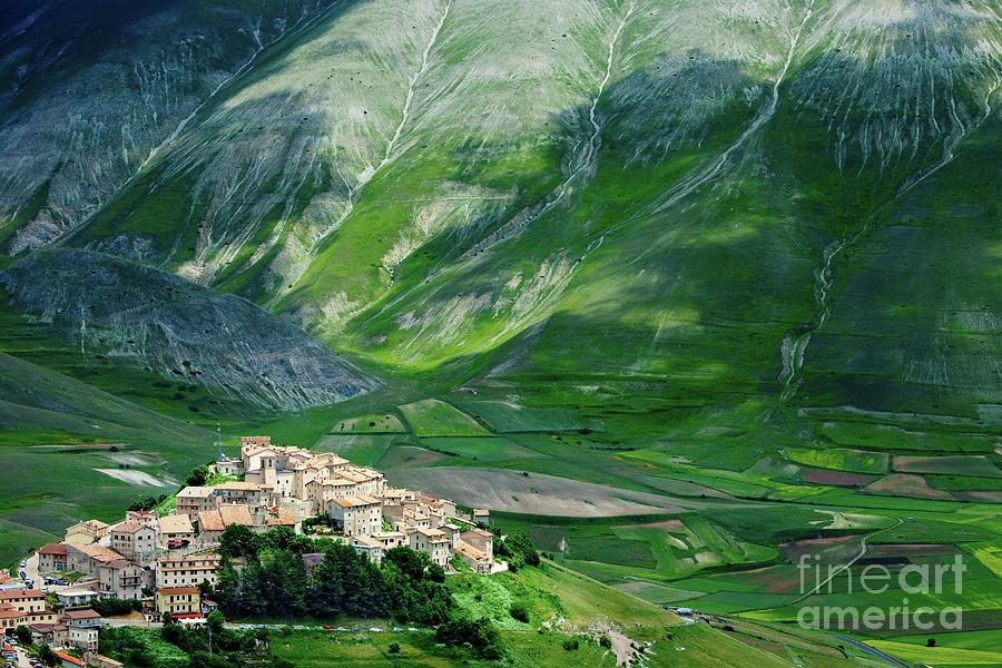 Castelluccio by Brian Jannsen