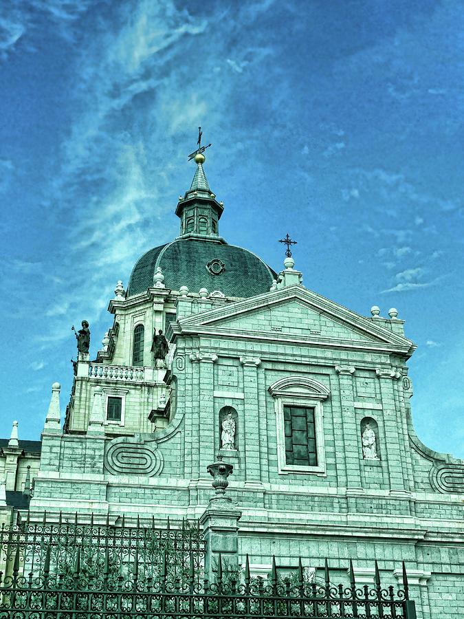 Catedral De Santa Maria La Real De La Almudena - Madrid Photograph