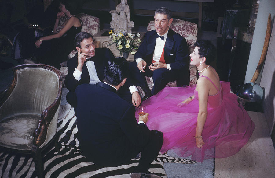 People Photograph - Celebrity Guests by Slim Aarons