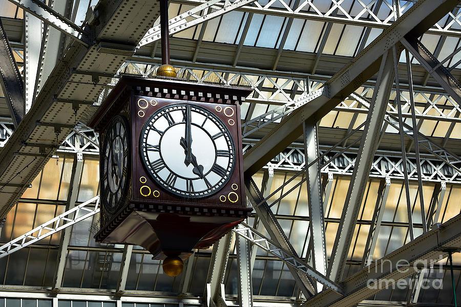 Central Station Clock by Yvonne Johnstone