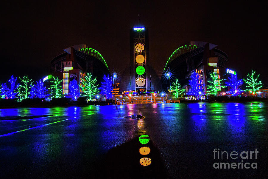Century Link in Holiday Color by Sonya Lang