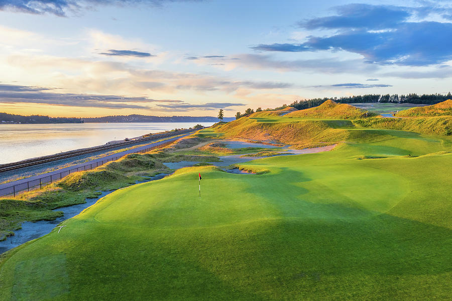 Chambers Bay Golf Course, Hole #17, 2019-4 by Mike Centioli