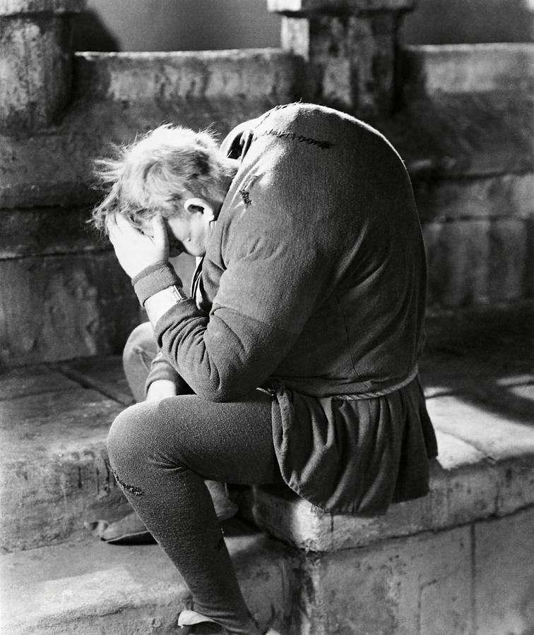 charles-laughton-in-the-hunchback-of-not
