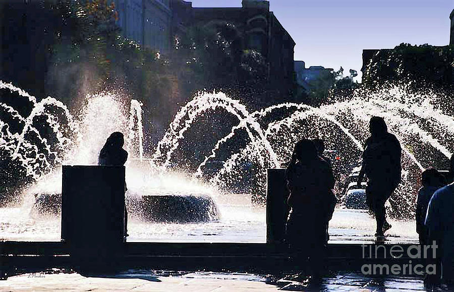 Charleston Fountain by Linda Parker