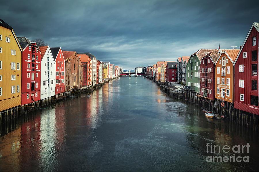 Kremsdorf Photograph - Chasing Colors by Evelina Kremsdorf