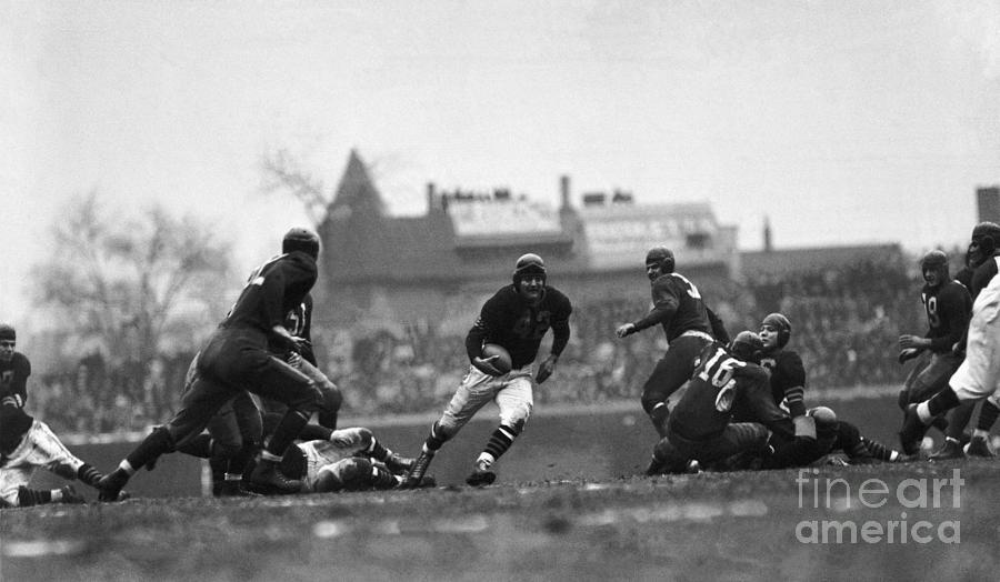 Chicago Bears Football Action Photograph by Bettmann
