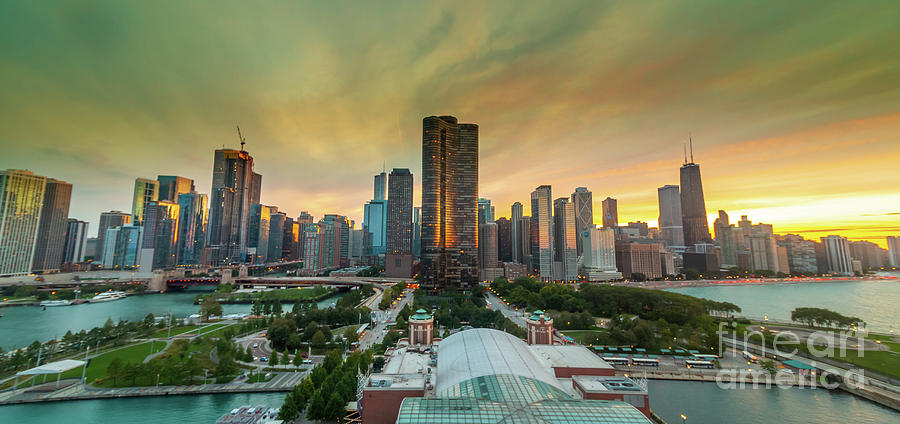 Chicago Skyline by Paul Hennell
