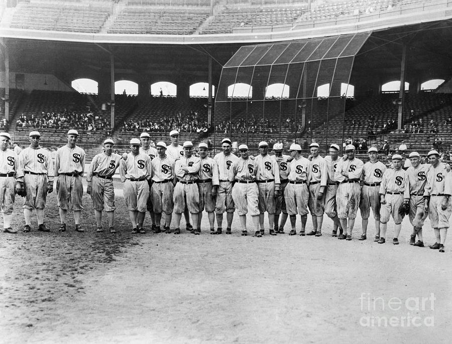 Chicago White Sox Of 1920 In Pose Photograph by Bettmann