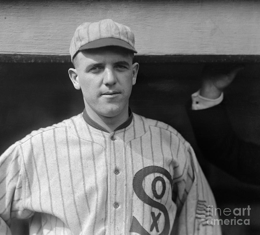 Chicago White Sox Pitcher Eddie Cicotte Photograph by Bettmann