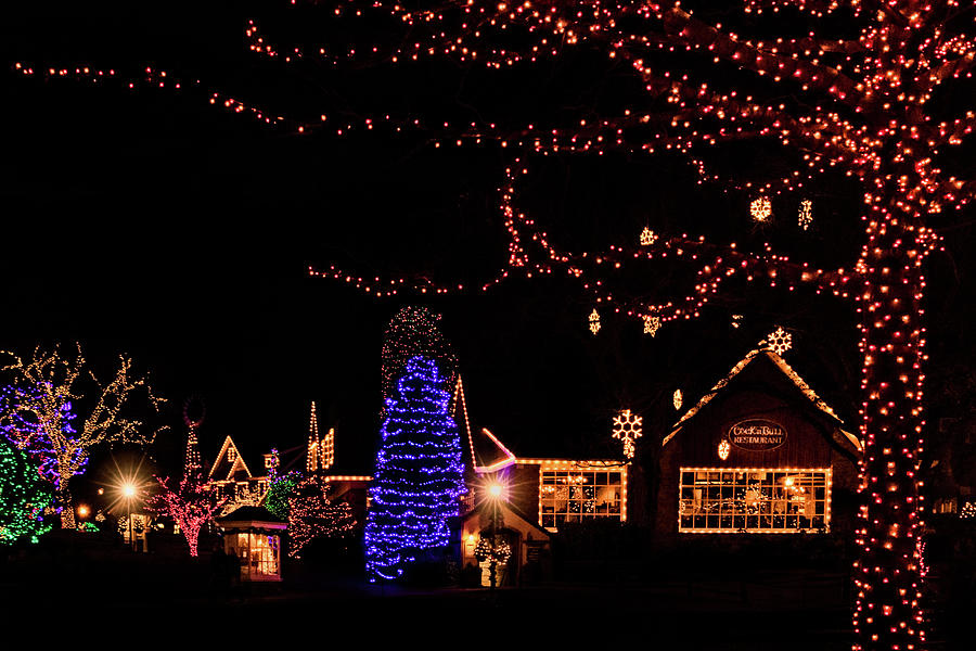 Christmas at Peddlers Village 2 by Carolyn Derstine