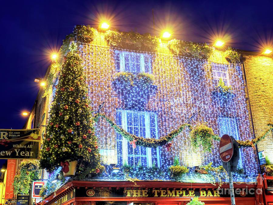 Christmas In Dublin Ireland.Christmas At The Temple Bar Dublin
