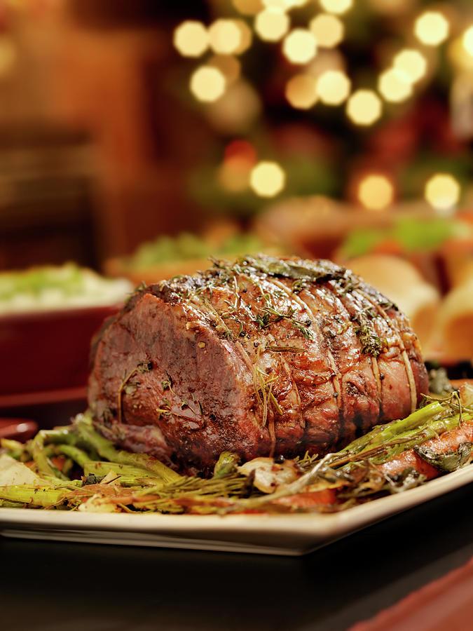 Christmas Roast Beef.Christmas Roast Beef Dinner