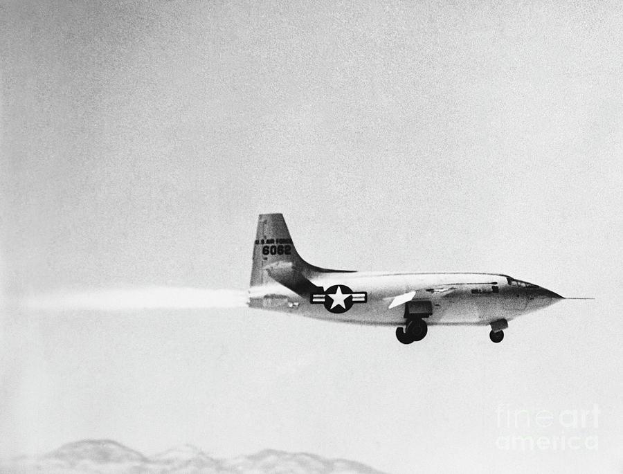 Chuck Yaeger Pilots The Bell X-1 Photograph by Bettmann