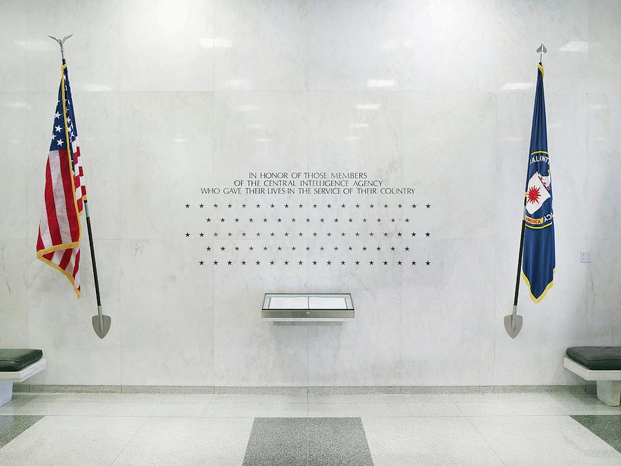 2011 Photograph - Cia Memorial Wall, 2011 by Granger